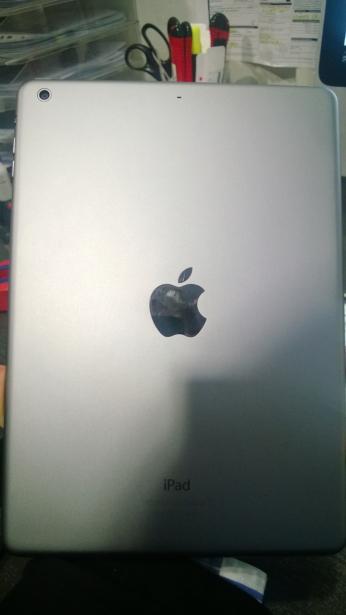 Die Rückseite des iPad Air.