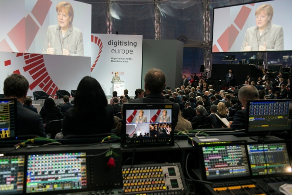 Angela Merkel beim digitising europe summit.